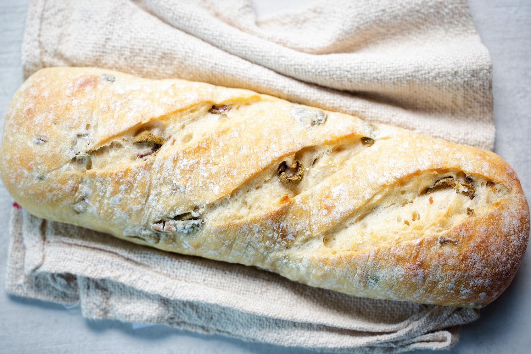 Ciabatta mit Oliven und Walnüssen / knusprig und lecker / Rauchmühle / Rauchmehl